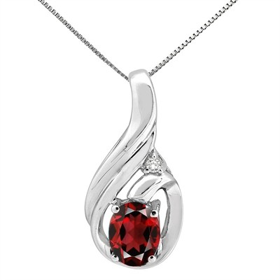 1.55Ct Round Shaped Garnet and Diamond Pendant in 10K Gold